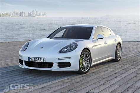 Porsche Panamera 2013 by 2013 Porsche Panamera Facelift Pictures Cars Uk
