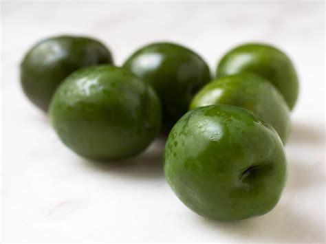 best olive a beginner s guide to olives 14 varieties worth seeking