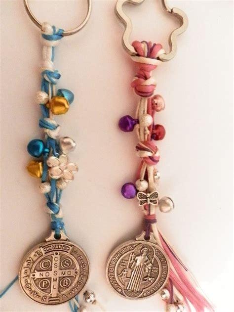 como hacer suveniles y oraciones de la medalla milagrosa recuerdo para bautizo preciosos llaveros moneda san benito