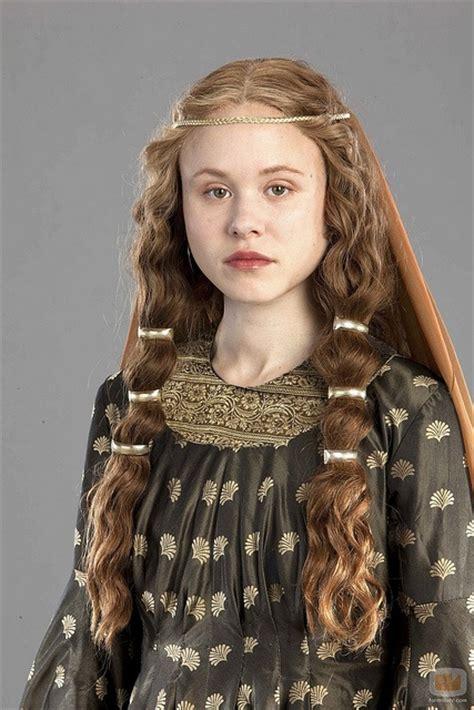 Impressive Renaissance hairstyles! Photo gallery & Video