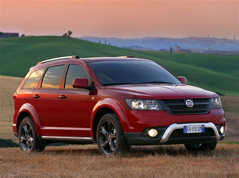 fiat freemont vs dodge fiat freemont vs dodge journey wallpaper 2048x1536 9915