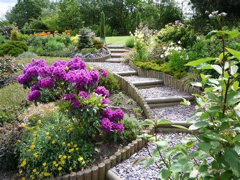 giardini con ghiaia piccoli giardini con ghiaia decorazione con piante e