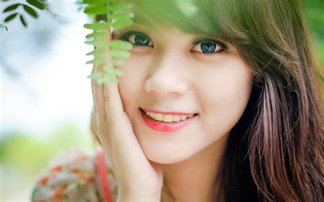 wallpaper girl happy happy girl wallpapers and images wallpapers pictures