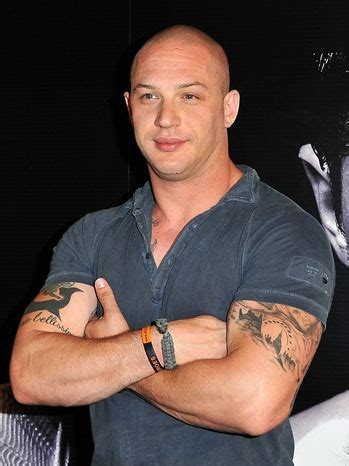 tom hardy tribal tattoo tom hardys tattoos at at the warrior photocall