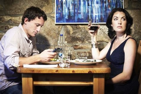 texting at the dinner table 20 most annoying human habits topics