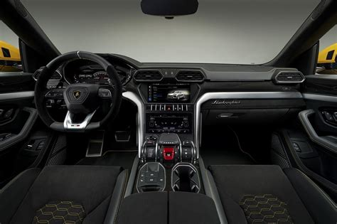 Urus Lamborghini Interior by Story Meet The 2019 Lamborghini Urus Suv Vr News