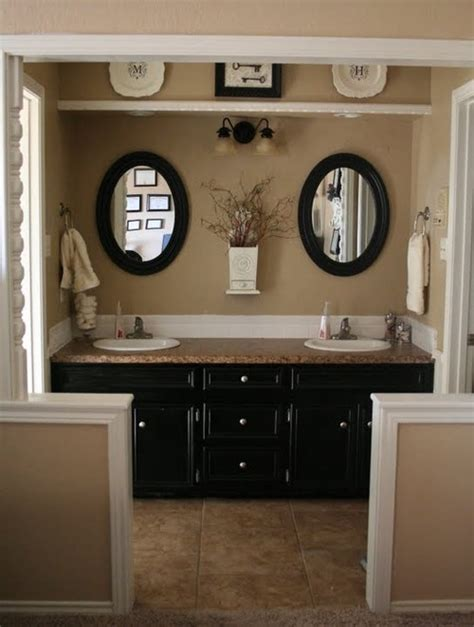 Beige And Black Bathroom Ideas | rattlebridge farm choppy decorating