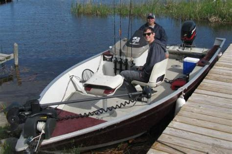 small fishing boat for rent boat rental boating fishing boats lake of the woods