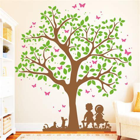 Wandtattoo Kinderzimmer Baum by Baum Mit Kindern Und Katzen 3farbig Wandtattoo