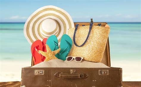 cosa portare in vacanza cosa mettere in valigia i must dell estate it