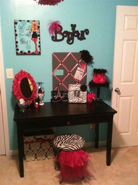 fashionista room decor fashionista bedroom fashionista pin by pink cleats on paris themed bedrooms pinterest