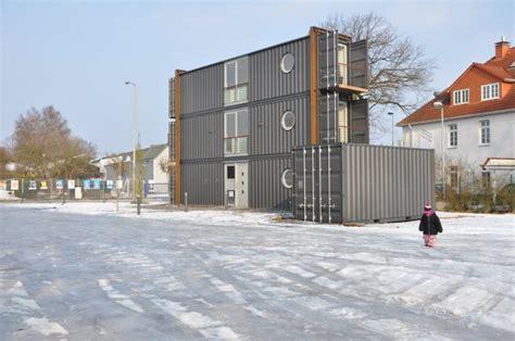 container haus oldenburg wohnen im frachtcontainer die luxus quader manager magazin