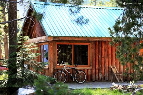 cabin park log cabin next to yosemite national park california