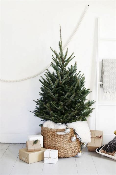 the brst chriss tree and litlle church d 233 coration de no 235 l 224 fabriquer pour adultes s 233 lection d id 233 es pour une d 233 co de no 235 l diy