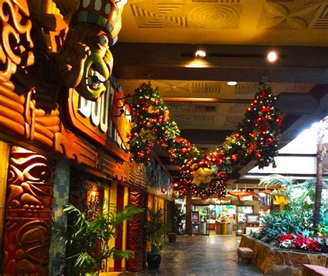 let s take a look at past holidays the polynesian resort