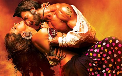 ram leela photos songs lahu munh lag gaya song goliyon ki