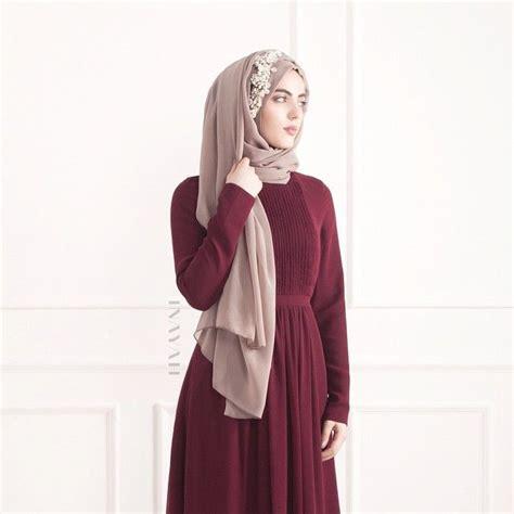 Baju Pesta Merah Maroon trend busana muslim modern untuk remaja muslimah