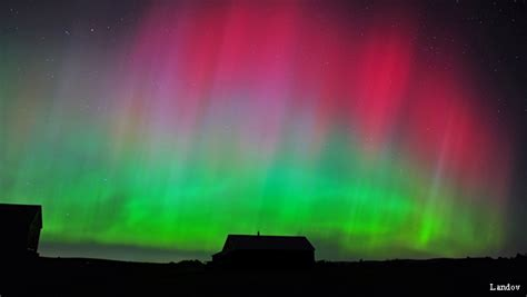 Solar Northern Lights Tonight Northern Lights Borealis Show Visible Across Top Of