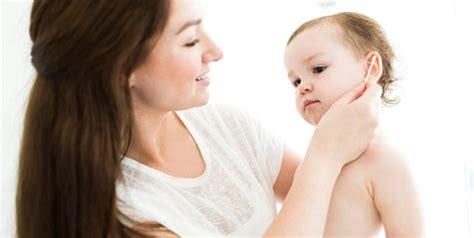 Membersihkan Telinga Tht cara aman membersihkan telinga anak pendengaran anak