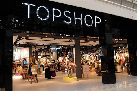 best stores to shop what it s really like shopping at topshop