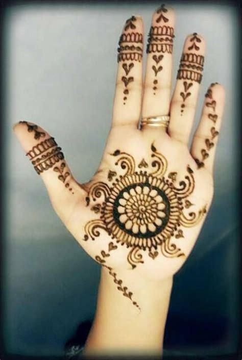 Simple Mehndi Designs For Girls 008   Life n Fashion