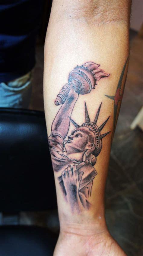 lady liberty tattoo 1000 ideas about statue of liberty on