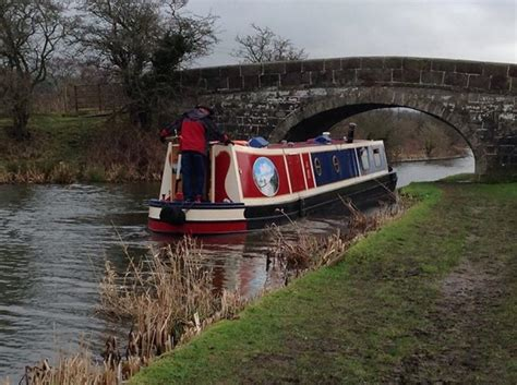 boating holidays england canal boat hire england uk lancaster narrowboat and canal boat hire water babies