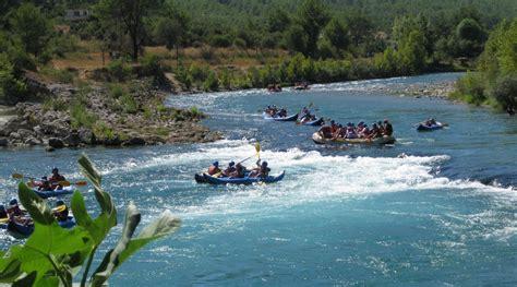 koepruelue kanyonda rafting ne goerduem