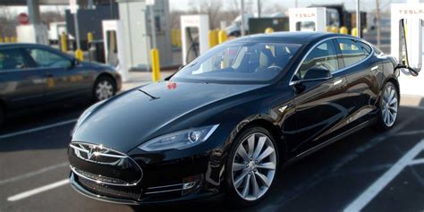 Buy Used Tesla Used Teslas Cost 30 000 More Than New Ones Business Insider