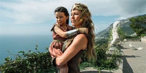 cast of the woman young wonder woman actress joins anastasia screen rant