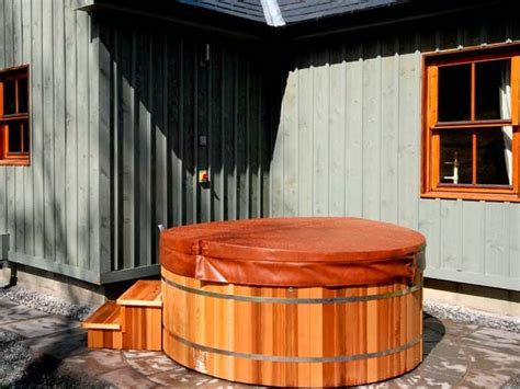 aberdeen log cabin with hot tub view book online