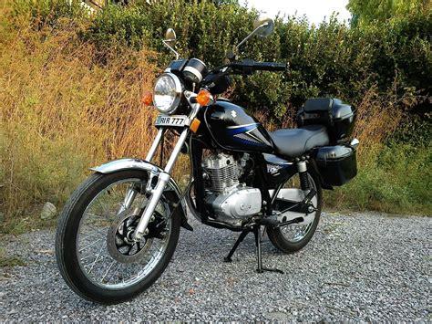 motorcycles  pakistan   lacs