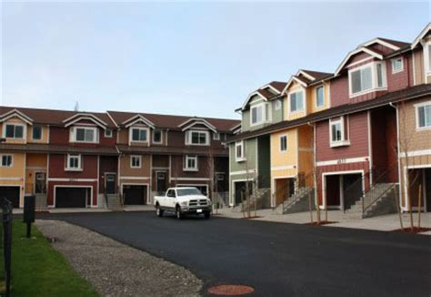 4 bedroom houses for rent in tacoma wa apartments tacoma military apartments townhomes