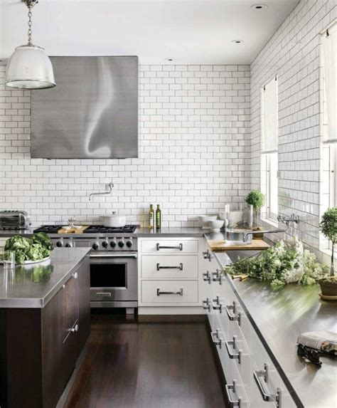 10 beautiful stainless steel kitchen island designs 10 stylish kitchens with stainless steel countertops