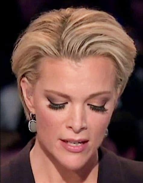 megan kelley hair style twitter users debate megyn kelly s false eyelashes us weekly