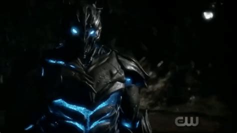 """sneak peek: """"the flash: i know who you are"""""""