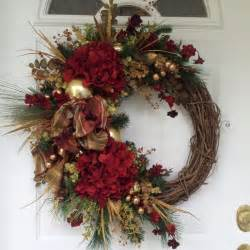 holiday wreath 17 best ideas about christmas wreaths on pinterest