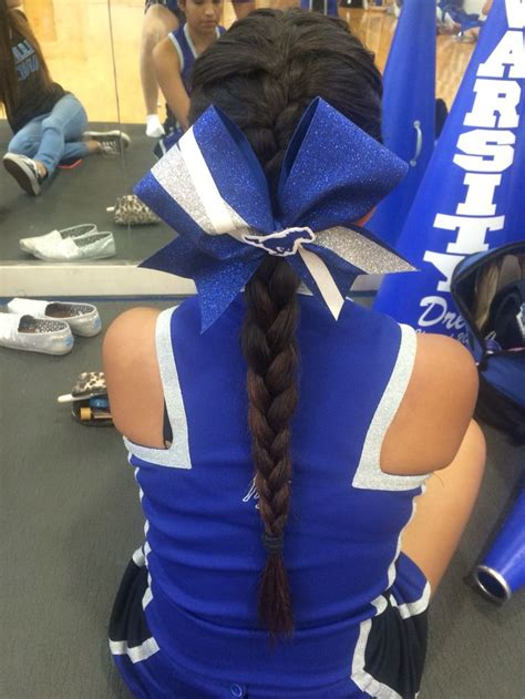 school cheer hairstyles best 25 cheerleading hair bows ideas on