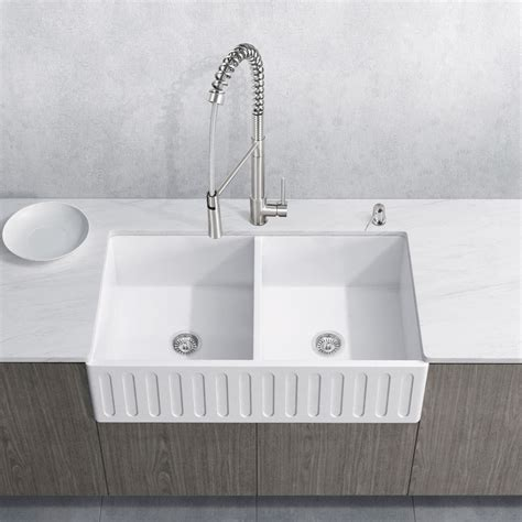 latoscana 33 reversible fireclay farmhouse sink latoscana reversible farmhouse fireclay 33 in bowl