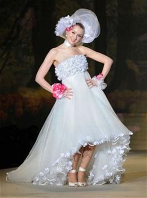 Ho Ho Horrible The Worst In Attire by Worst Wedding Dresses On Wedding