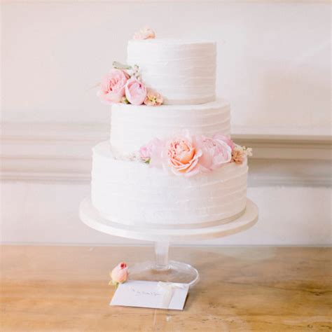 how much should a wedding cake cost uk wedding cakes in exeter designed and baked to