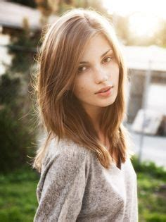 hairstyles that go past the shoulders 1000 images about hair on pinterest shoulder length