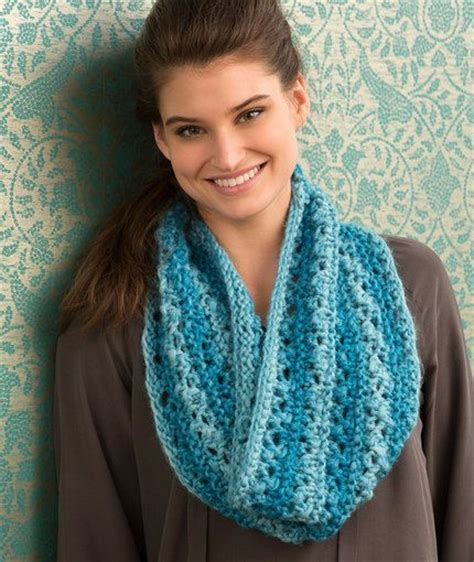 easy lace cowl knitting pattern cowls lace and knitting patterns on