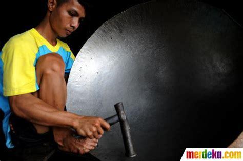 Wajan Besar foto perajin wajan dari limbah drum merdeka