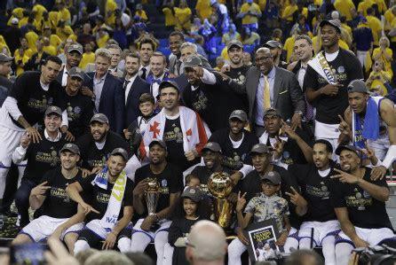 Warriors 2017 Nba Finals 2 Newspaper 6 5 2017 San Francisco Chronicle Store Tv Ratings Warriors Win Sees Nba Finals Hit 5 Near 20 Year High Deadline