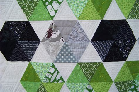 modern hexagon quilt fallingforpieces