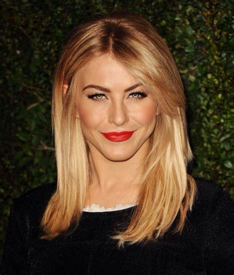 best medium length blonde style for fair warm skin tone but heavy body shape julianne hough with rose gold golden blonde hair and