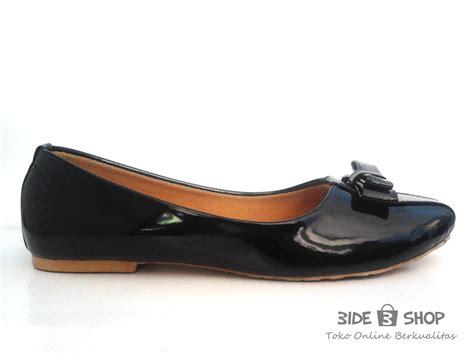 Flat Shoes Nl 37 Hitam jual flat shoes glossy pita hitam polos sepatu wanita