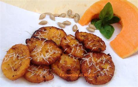ricette per cucinare la zucca gialla frittelle salate con zucca gialla ricetta semplice ed