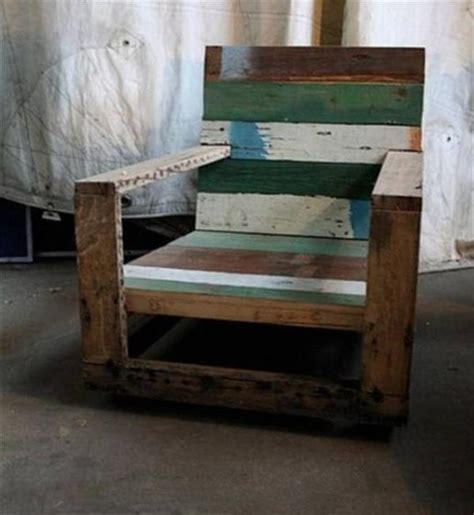 Reclaimed Pallet Furniture by Want Some Chairs Then You Can Go For Pallet Wood Reclaimed Chair Pallets Designs